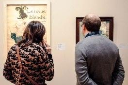 Touristes devant Toulouse-Lautrec